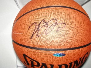 Lebron James Upperdeck Autograph Basketball