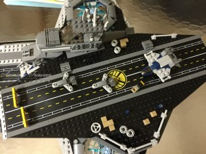 Finishing the Lego Marvel Avengers Helicarrier pic 9